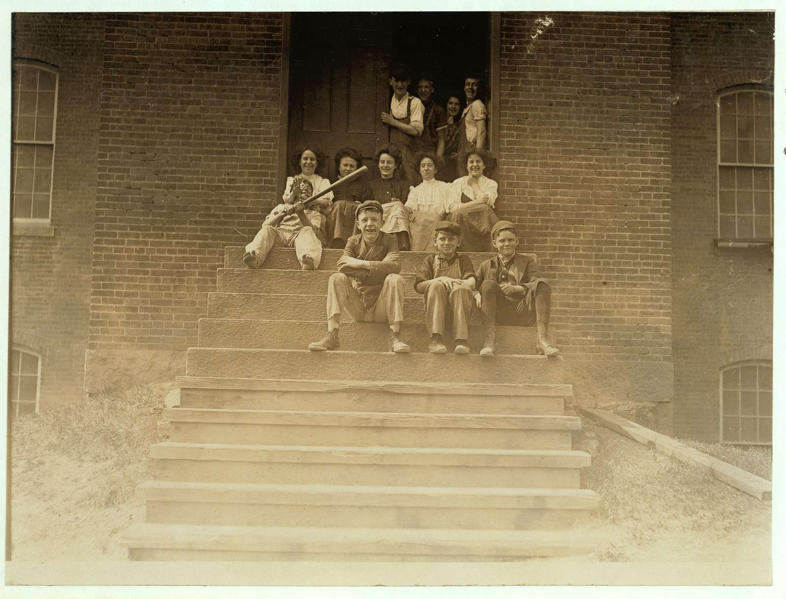 Noon hour. Group of workers in American Yarn Mfg. Co., Pawtucket, R.I. Location: Pawtucket, Rhode Island