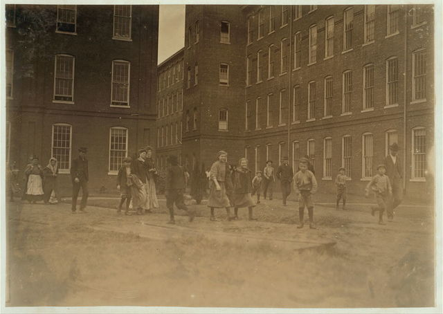 Noon hour, King Mfg. Co., Augusta, Ga. See photos 500 to 509.  Location: Augusta, Georgia.