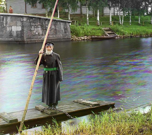Pinkhus Karlinskīĭ. 84 goda. 66 li︠e︡t na sluzhbi︠e︡. Nadsmotrshchik Chernigovskago vodospuska. [Rossiĭskai︠a︡ imperii︠a︡]