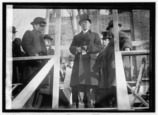 Pres. Wilson laying corner stone, Central Park Church