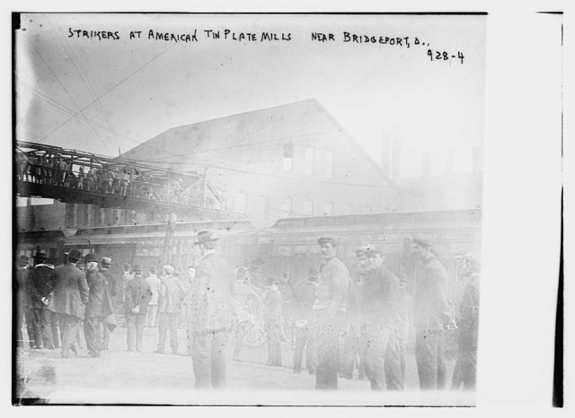 Strikers from American Tin Plate Mills at train station near Bridgeport