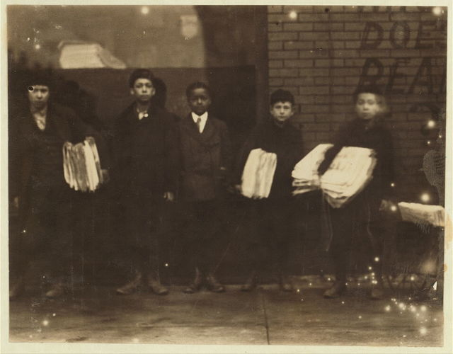 5:00 A.M. Sunday, May 8th, 1910. Starting out from McIntyre's Branch 16th St. & Chestnut.  Location: St. Louis, Missouri.