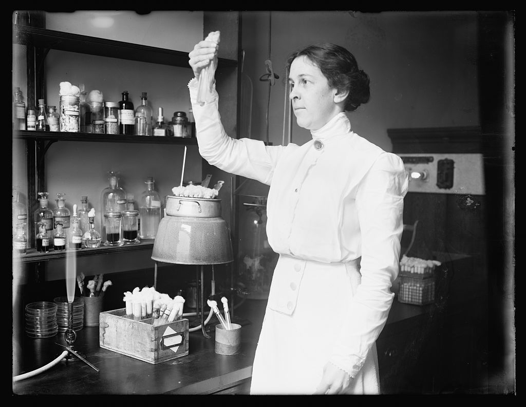 Alice C. Evans, Facter[.] in Dairy Division, Dept. of Agrl. who studes microscopic organisms and their relation to health, flavor and keeping qualities of dairy products