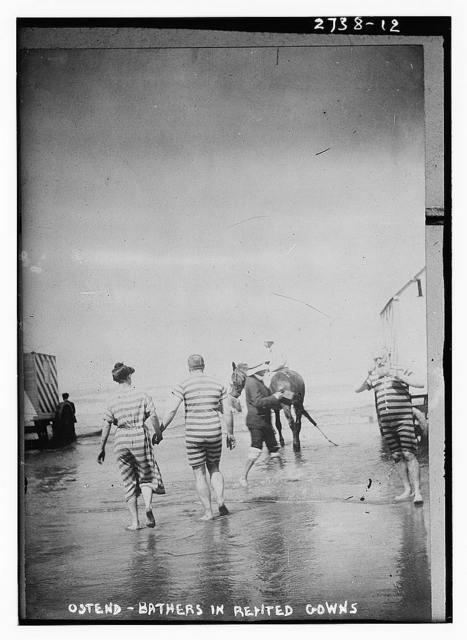 Bathers in rented gowns, Ostend