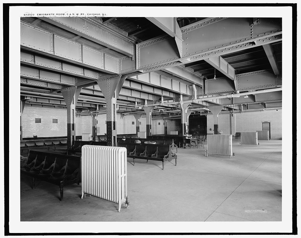 Emigrants' room, C. & N.W. Ry. [Chicago and North Western Railway station], Chicago, Ill.
