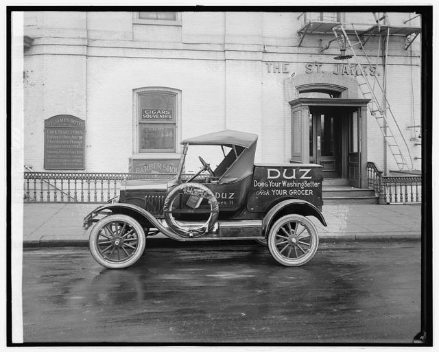 Ford Motor Co. Duz delivery car