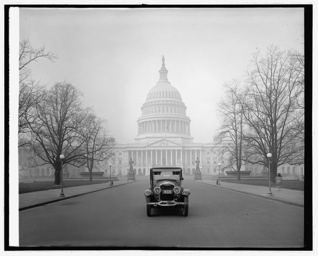 Ford Motor Co., Lincoln at Capitol, [Washington, D.C.]