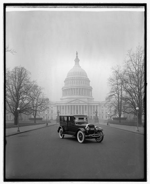 Ford Motor Co., Lincoln at Captiol, [Washington, D.C.]