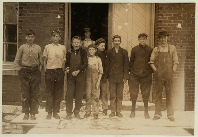 Group of boys working in Richmond Spinning Mill, East Lake. Street Bretzau, with bandaged finger, in centre.  Location: Chattanooga, Tennessee.