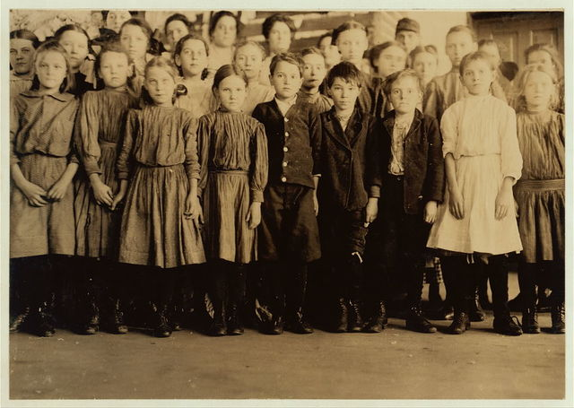 """Group of """"loopers"""" in London [i.e., Loudon?] Hosiery Mills. All are regular workers. (See other photos and report.)  Location: Loudon, Tennessee."""
