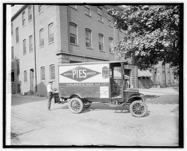 Holmes Bakery truck, Ford Motor Co.
