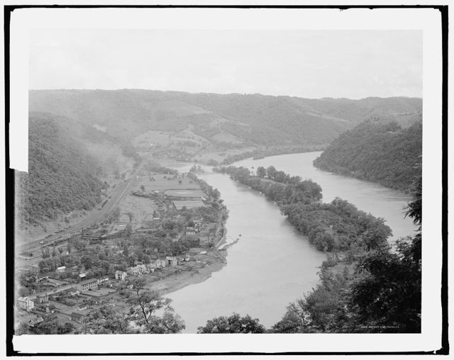 [Junction of New and Greenbrier rivers, Hinton, W. Va.]