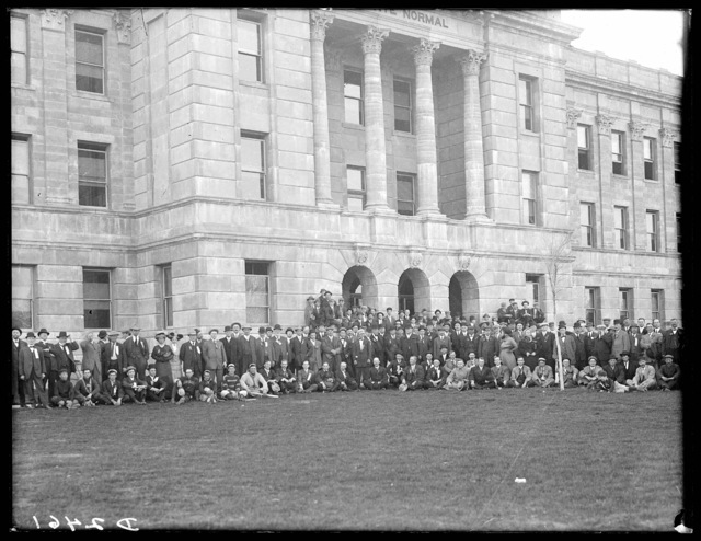 Large group attending Nebraska State Convention of Commercial Clubs pictured in front of the State Normal Building at Kearney, Nebraska