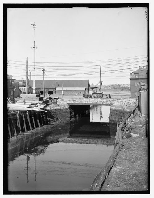 [Lock and bridge, probably Salem, Mass.]