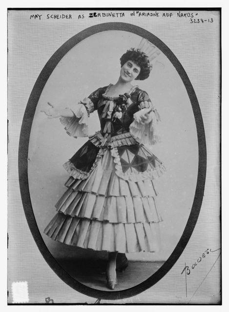 """May Scheider as Zerbinetta in """"Ariadne auf Naxos"""""""