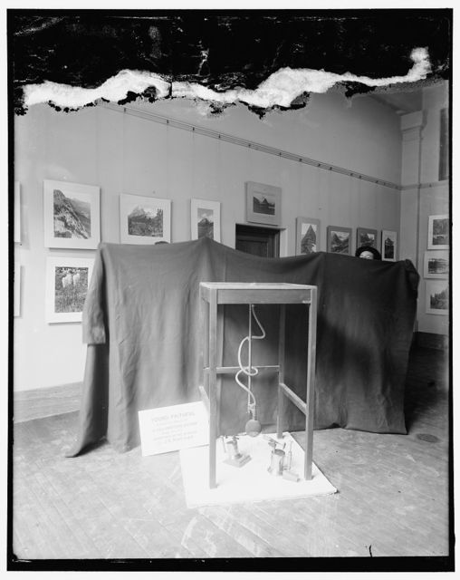 Minature geyser at Smithsonian