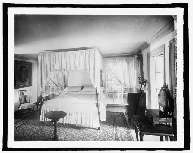 Mt. Vernon, [Virginia], bed chamber of Geo. Wash.