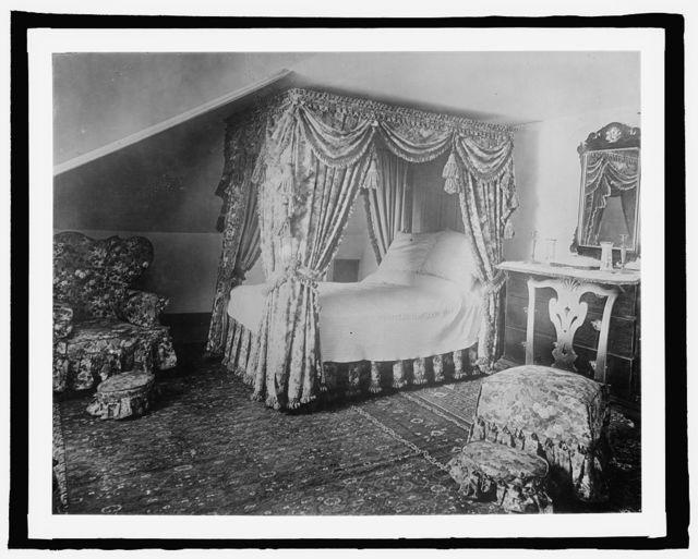 Mt. Vernon, [Virginia], bed chamber of Martha Washington