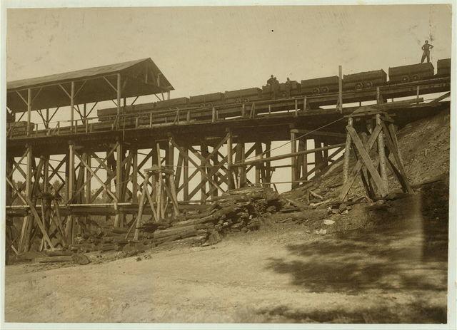 Part of the tipple at Bessie Mine.  Location: Bessie Mine, Alabama.