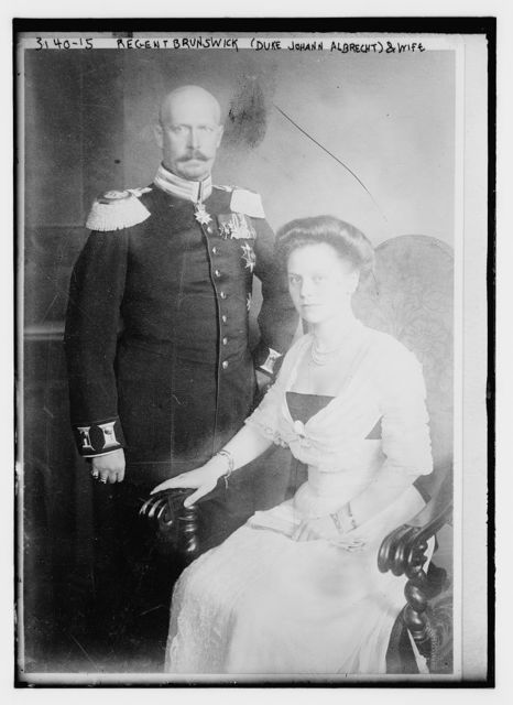 Regent Brunswick (Duke Johann Albrecht) and wife