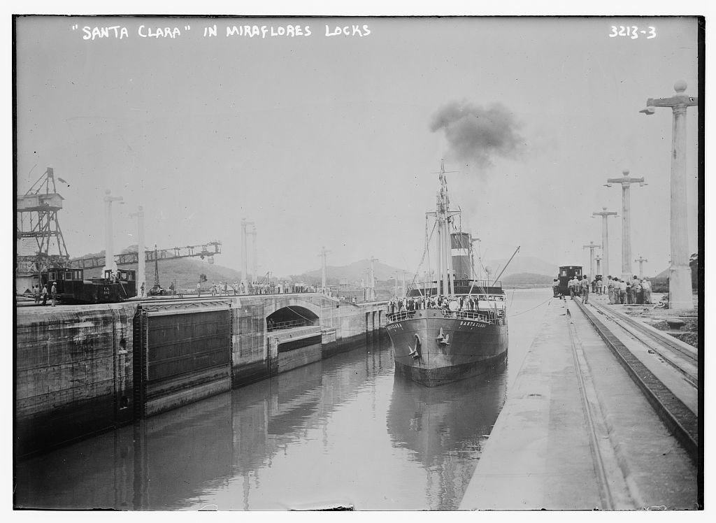 SANTA CLARA in Miraflores locks
