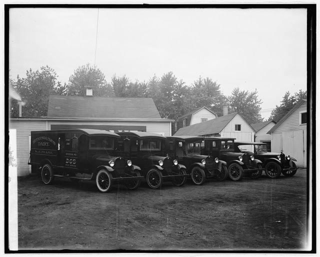 "Semmes Motor Co. ""Bethesda Farms Dairy"" [trucks]"