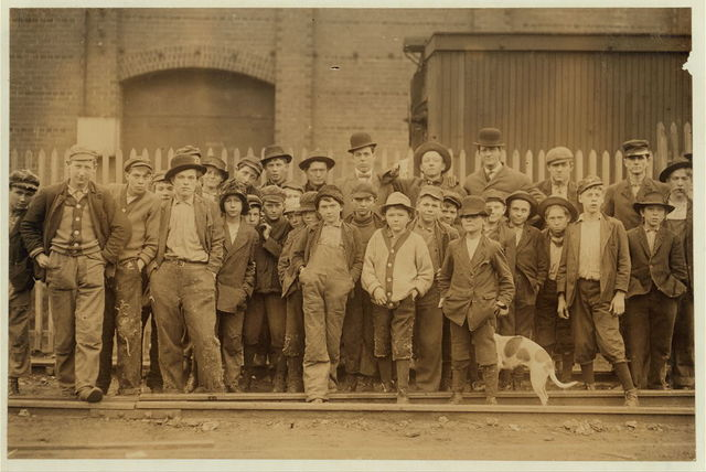 Some of the boys (not the youngest working) in Brookside Cotton Mills. Many youngsters work here.  Location: Knoxville, Tennessee.
