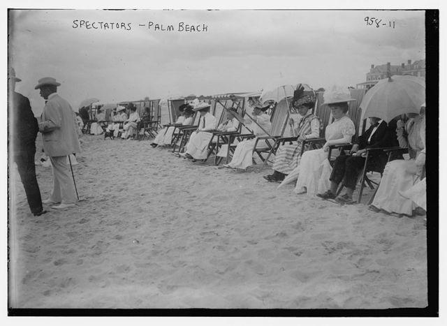 Spectators on beach for motor boat races, Palm Beach
