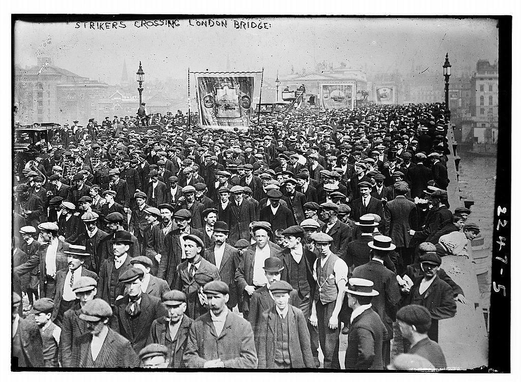 Strikers crossing London Bridge