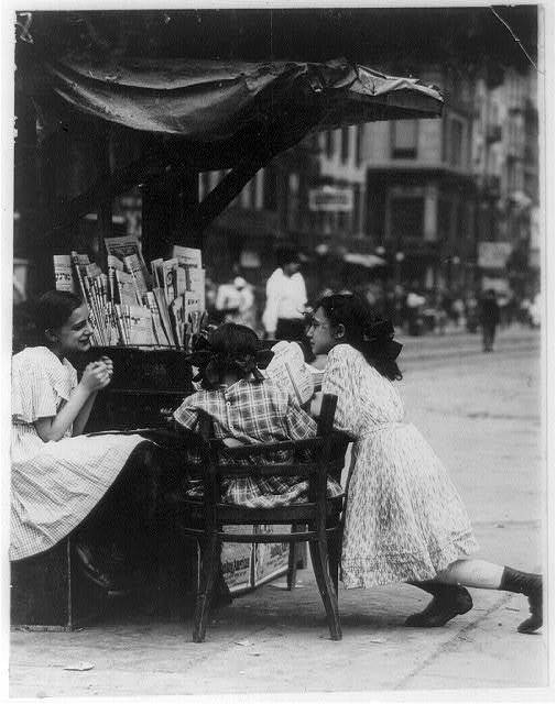 Tending Stand, Canal St. Location: New York, New York (State)