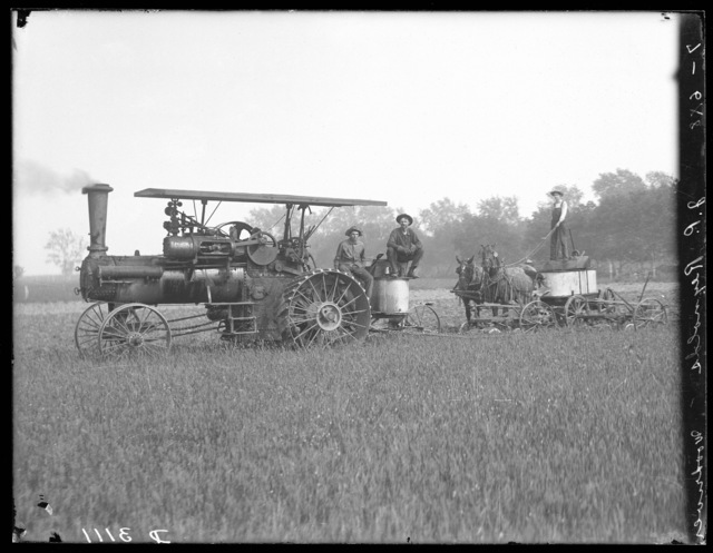 Threshing machine on farm of J.R. Reynolds, west of Wood River, Nebraska.