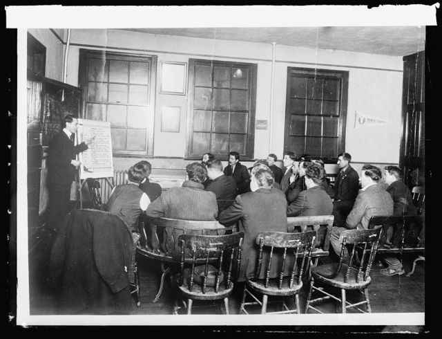 Treasury Dept. Savings Committee, Italian class receiving instructions in English & citizenship, Newark, N.J., Y.M.C.A.