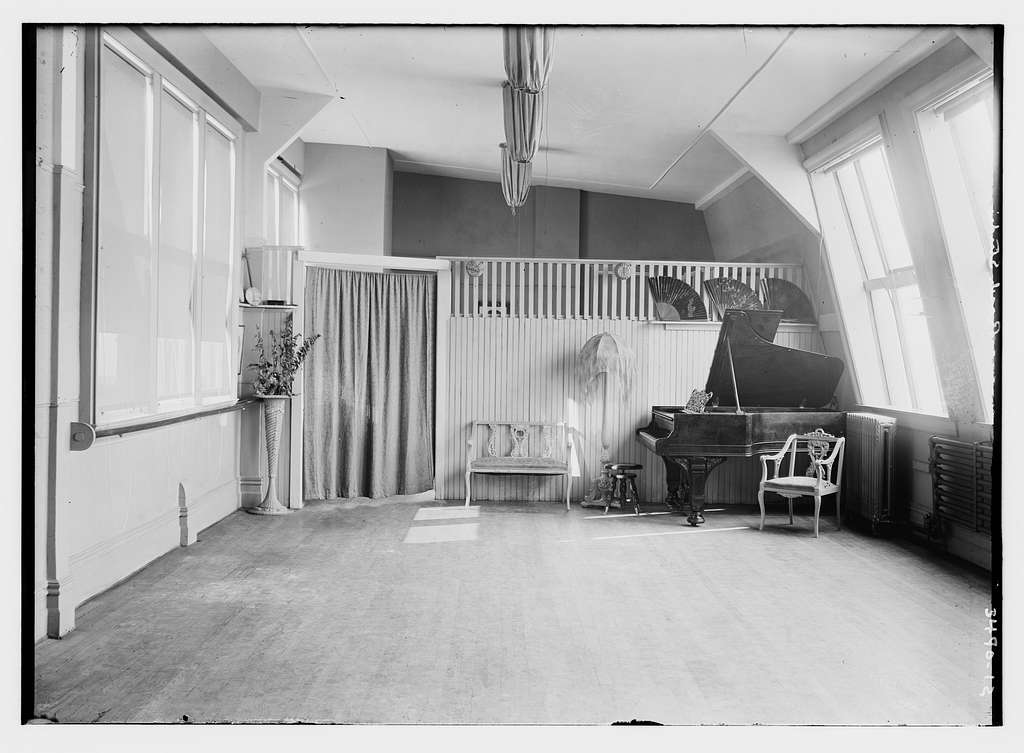 unidentified parlor with piano -- Rasch Studio