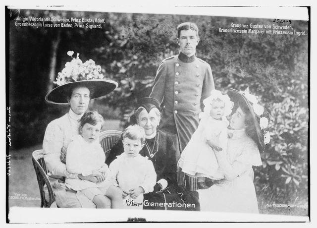 Vier Generationen: Konigin Viktoria von Schweden, Prinz Gustav Adolf, Gross herzogin Luise von Baden, Prinz Sigvard, Kronprinz Gustav von Schweden, Kronprinzessin Margaret mit Prinzessin Ingrid