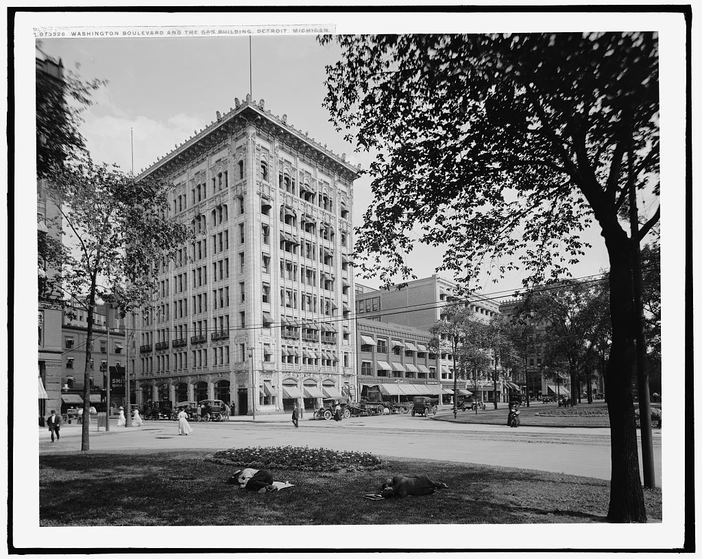 Washington Boulevard and the gas building, Detroit, Michigan
