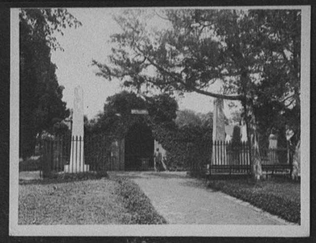 [Washington tomb, Mount Vernon, Va.]