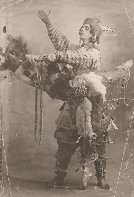 Photograph of Michel Fokine as Prince Ivan and Tamara Karsavina as the Firebird in The Firebird, 1910