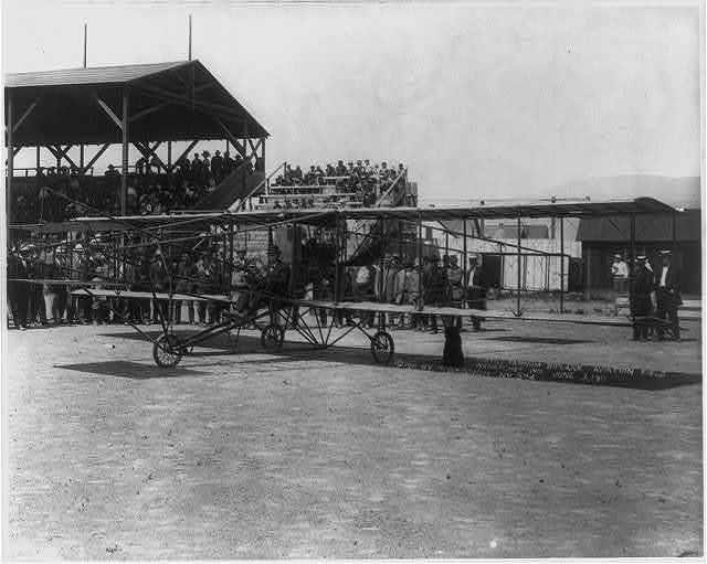 Curtiss Farnum biplane, aviation field, Wenatchee, Washington, 3 June 1911.