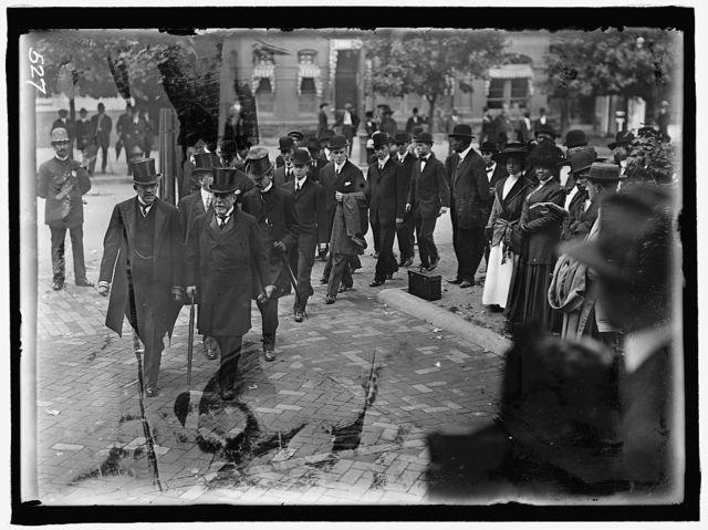 HARLAN, JOHN MARSHALL. ASSOCIATE JUSTICE, U.S. SUPREME COURT, 1877-1910. FUNERAL AT NEW YORK AVENUE PRESBYTERIAN CHURCH. GROUP OF MEN