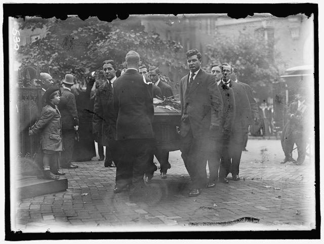 HARLAN, JOHN MARSHALL. ASSOCIATE JUSTICE, U.S. SUPREME COURT, 1877-1910. FUNERAL AT NEW YORK AVENUE PRESBYTERIAN CHURCH. CASKET