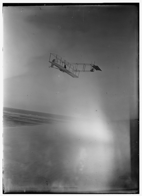[Left rear view of glider at a high altitude; Kitty Hawk, North Carolina]