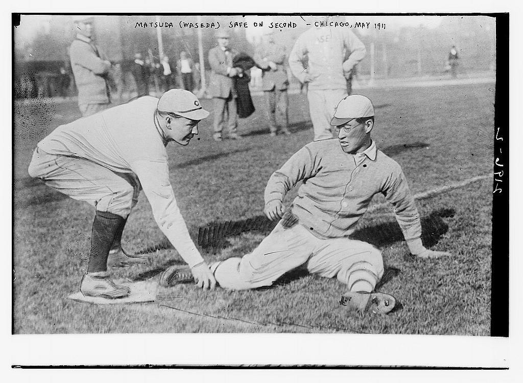 [Matsuda (Waseda University, Japan) is safe; a re-enactment of a play from a baseball game with Chicago University, Marshall Field, May 1911]