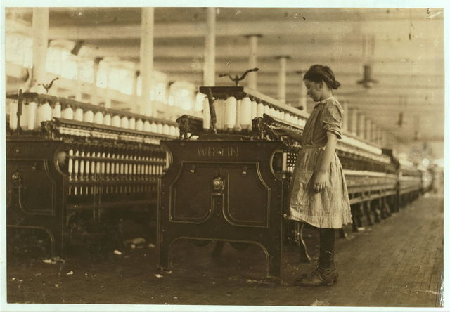 One of the youngest spinners in the Washington Cotton Mills, Fries, Va. Hettie Roberts. Runs two sides. Been working several weeks.  Location: Fries, Virginia.