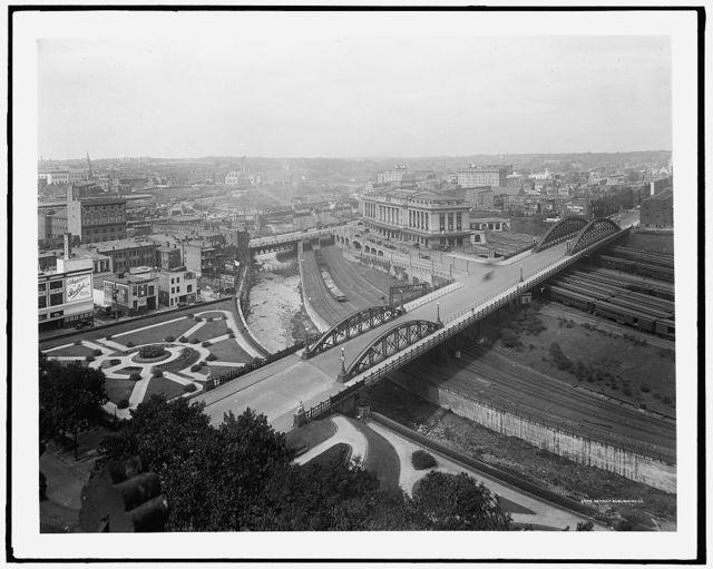 [Pennsylvania Station, Baltimore, showing Charles Street and Jones Falls]