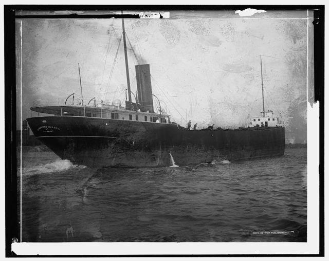 [U.S. Marine Postal Service, Detroit River, ready to cast off]