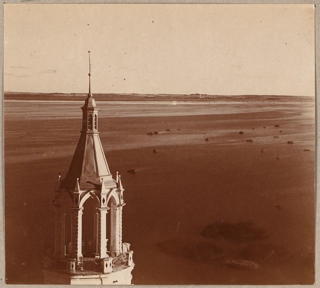 Vid na ozero Nero s zapada s kolokolʹni Spaso-I︠A︡kovlevskago monastyri︠a︡. Rostov Velikīĭ