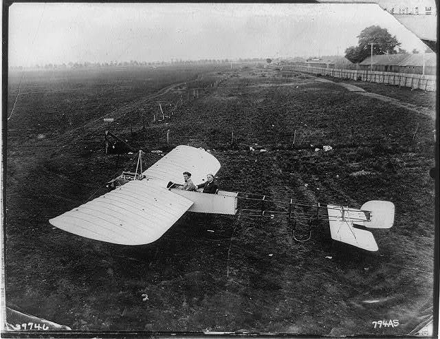 Bleriot type airplane of American airplane supply co. [i.e., American Aeroplane Supply House?], Garden City, L.I., May 1912