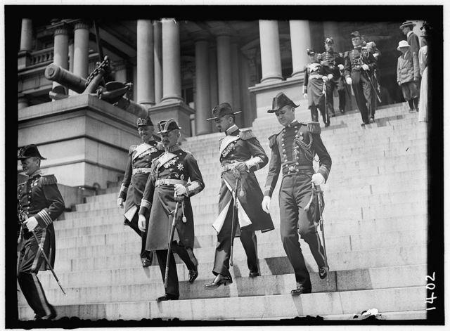 GERMAN SQUADRON VISIT TO U.S. GERMAN OFFICERS AT NAVY DEPT., JUNE 5. CAPT. J.L. JAUNE; ADM. PASCHWITZ; UNIDENT.; CAPT. MANN