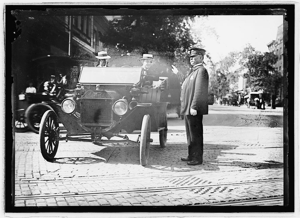 Herbert E. French in Ford [...] traffic cop, Wash., D.C.