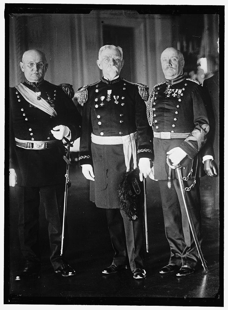 HEYL, CHARLES HEATH, MAJ. GEN., U.S.A. LEFT; HUMPHREY, CHARLES FREDERIC, STATE CHAIRMAN FROM PENNSYLVANIA; DEMOCRATIC NATIONAL COMMITTEE; AMBASSADOR E. & P. TO JAPAN, 1913-